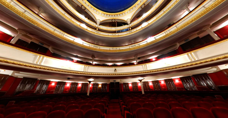 Jean claude camus producteur de spectacles master dmc - Theatre porte saint martin ...